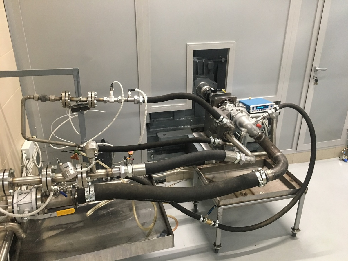 Test-bench for testing high-performance fuel control units