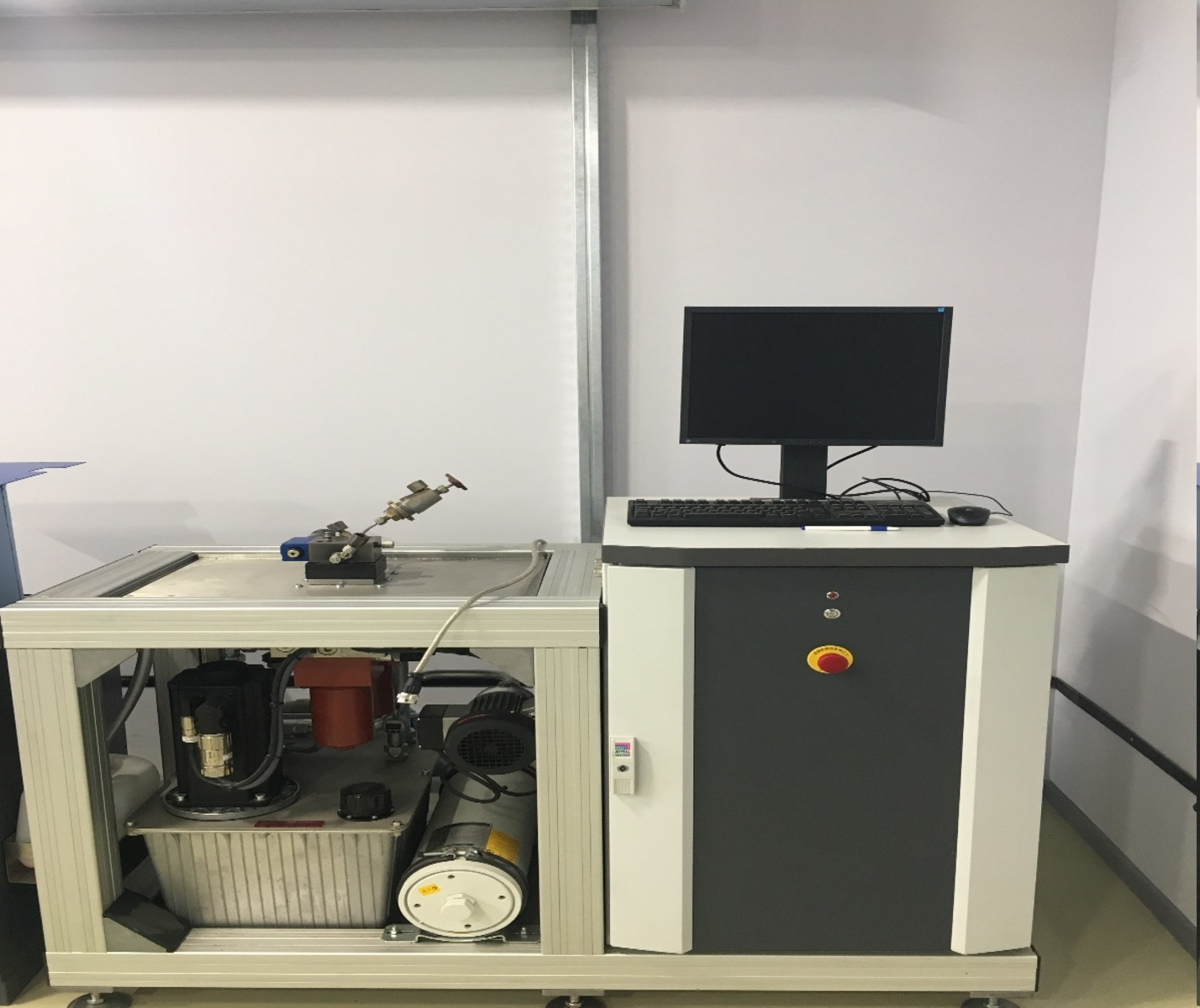 ValveExpert automatic test-bench for electrical amplifiers using FH51 hydraulic oil